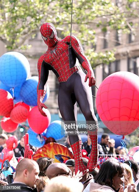 SpiderMan during Kirsten Dunst and Tobey Maguire on Set of 'SpiderMan 3' June 10 2006 at Downtown Manhattan in New York City New York United States