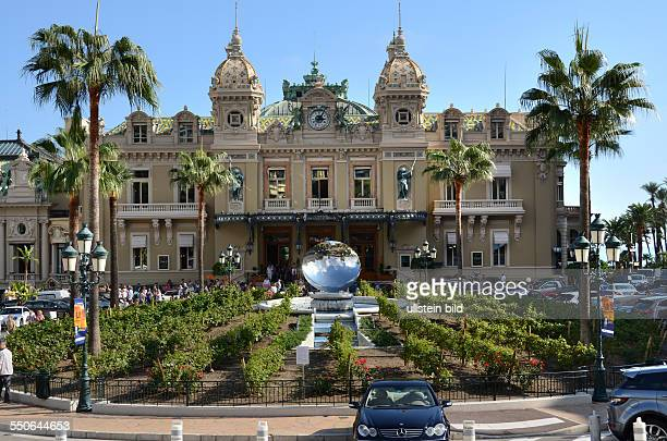 Spielcasino Monte Carlo Gartenanlage mit Weinstöcken Brunnen Fuerstentum Monaco Cote d'Azur