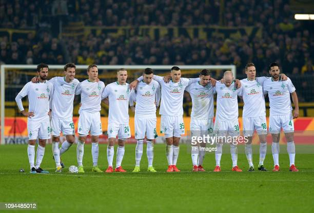 Spieler Bremen arm in arm during the penalty shootout during the DFB Cup match between Borussia Dortmund and Werder Bremen at Signal Iduna Park on...