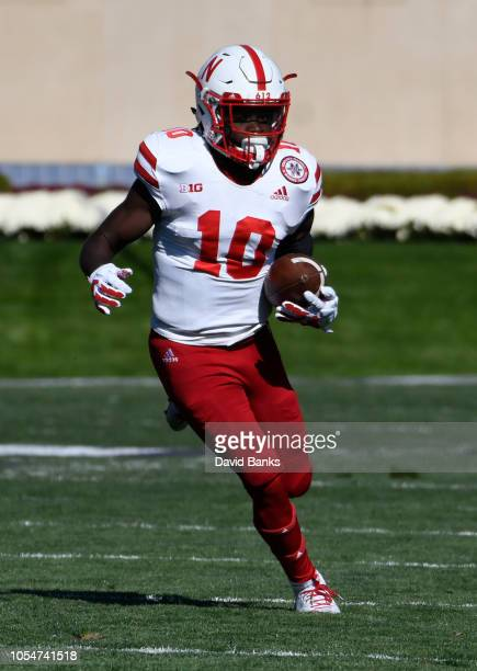 Spielman of the Nebraska Cornhuskers runs for a touchdown against the Northwestern Wildcats during the first half on October 13 2018 at Ryan Field in...