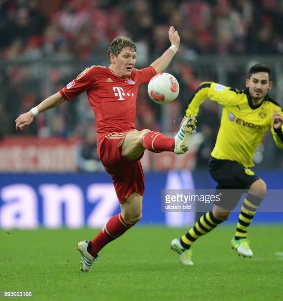15 Spieltag Saison 2012/2013 FUSSBALL 1 BUNDESLIGA SAISON 2012/2013 15 Spieltag FC Bayern Muenchen Borussia Dortmund Bastian Schweinsteiger gegen...