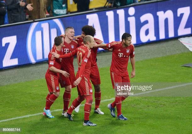 FUSSBALL 1 BUNDESLIGA SAISON 2012/2013 27 Spieltag FC Bayern Muenchen Hamburger SV Bayern Xherdan Shaqiri Bastian Schweinsteiger Dante Arjen Robben...