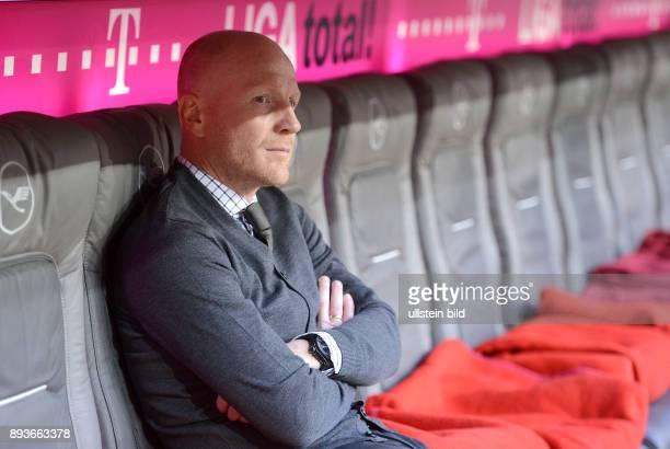 13 Spieltag Saison 2012/2013 FUSSBALL 1 BUNDESLIGA SAISON 2012/2013 13 Spieltag FC Bayern Muenchen Hannover 96 Sportvorstand Matthias Sammer sitzt...