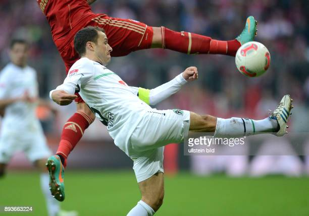 13 Spieltag Saison 2012/2013 FUSSBALL 1 BUNDESLIGA SAISON 2012/2013 13 Spieltag FC Bayern Muenchen Hannover 96 Steven Cherundolo