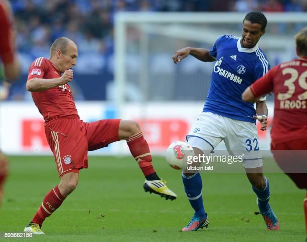 4 Spieltag Saison 2012/2013 FUSSBALL 1 BUNDESLIGA SAISON 2012/2013 4 Spieltag FC Schalke 04 FC Bayern Muenchen Arjen Robben gegen Joel Matip