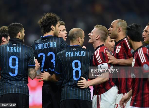 FUSSBALL INTERNATIONAL SERIE A SAISON 2014/2015 31 Spieltag Inter Mailand AC Mailand Rudelbildung Blau gegen Rot Inter gegen Milan Mauro Emanuel...