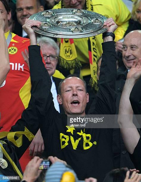 34 Spieltag Saison 2012/2013 BVB SC Freiburg 40 Fussball Saison 20112012 1 Bundesliga 34 Spieltag Borussia Dortmund SC Freiburg 40 Zeugwart Frank...