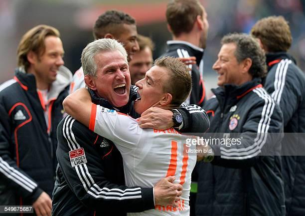 Spieltag, Saison 2012/2013 - Cheftrainer Jupp Heynckes feiert mit Xherdan Shaqiri die vorzeitige Meisterschaft nach dem Fussball Bundesliga Spiel...