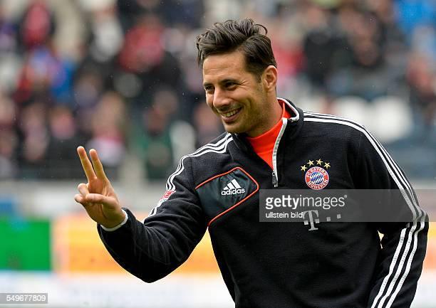 28 Spieltag Saison 2012/2013 Claudio Pizarro lacht waehrend dem Fussball Bundesliga Spiel Eintracht Frankfurt gegen FC Bayern Muenchen am 28 Spieltag...