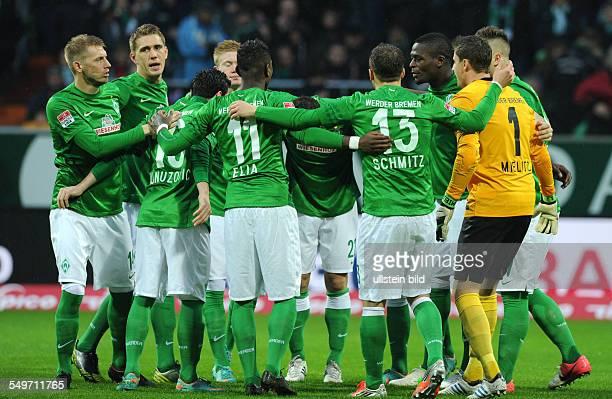 12 Spieltag Saison 2012/2013 Fussball Saison 20122013 1 Bundesliga 12 Spieltag SV Werder Bremen Fortuna Düsseldorf 21 Bremer Spielerkreis vor dem...