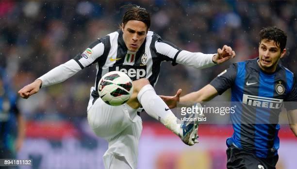 FUSSBALL INTERNATIONAL SERIE A 30 Spieltag SAISON Inter Mailand Juventus Turin Alessandro Matri am Ball gegen Andrea Ranocchia