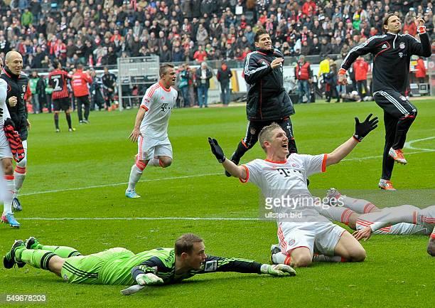 28 Spieltag Saison 2012/2013 Nach dem Schlusspfiff feiern die Bayernspieler den vorzeitigen Gewinn der Meisterschaft waehrend dem Fussball Bundesliga...