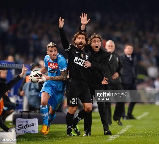 FUSSBALL INTERNATIONAL SERIE A 27 Spieltag SAISON SSC Neapel Juventus Turin Valon Behrami mit Andrea Pirlo und Trainer Antonino Conte