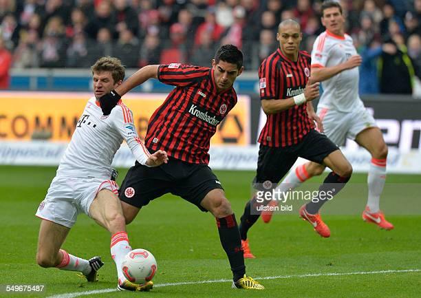 28 Spieltag Saison 2012/2013 Thomas Mueller im Zweikampf mit Carlos Zambrano waehrend dem Fussball Bundesliga Spiel Eintracht Frankfurt gegen FC...