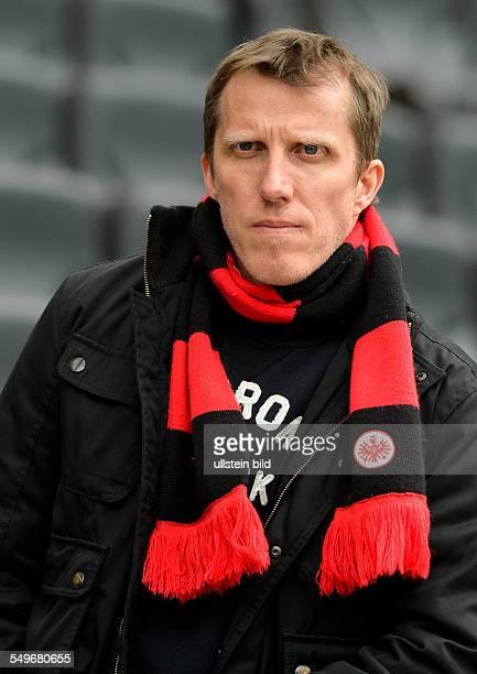 28 Spieltag Saison 2012/2013 Tischtennis Bundestrainer Joerg Rosskopf mit Eintracht Schal waehrend dem Fussball Bundesliga Spiel Eintracht Frankfurt...