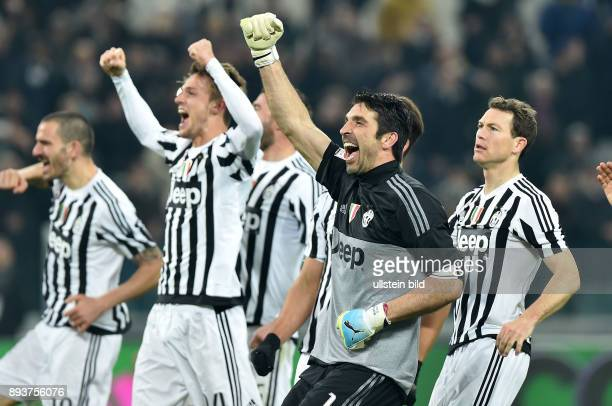 FUSSBALL INTERNATIONAL SERIE A 25 Spieltag SAISON Juventus Turin SSC Neapel Juventus Turin Torwart Buffon Gianluigi und Stephan Lichtsteiner
