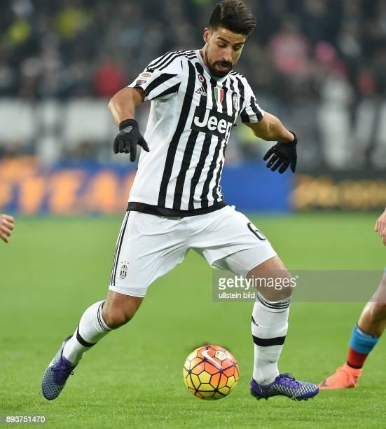 FUSSBALL INTERNATIONAL SERIE A 25 Spieltag SAISON Juventus Turin SSC Neapel Sami Khedira mit Ball