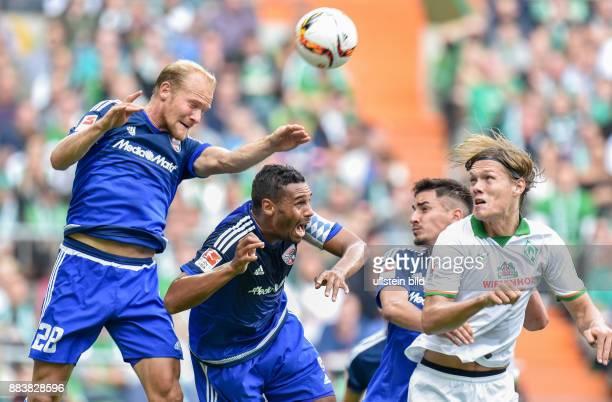 FUSSBALL 1 BUNDESLIGA SAISON 2015/2016 5 Spieltag SV Werder Bremen FC Ingoldstadt Tobias Levels und Marvin Matip gegen Jannik Vestergaard