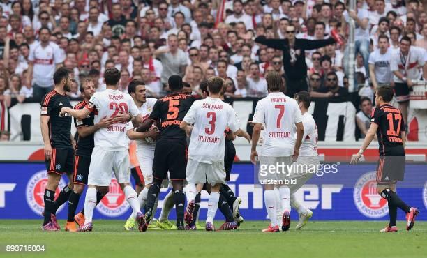 FUSSBALL 1 BUNDESLIGA SAISON 2014/2015 33 Spieltag VfB Stuttgart Hamburger SV Rudelbildung Heiko Westermann Rafael van der Vaart gegen Christian...