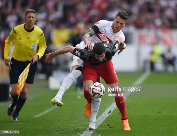 FUSSBALL 1 BUNDESLIGA SAISON 2014/2015 30 Spieltag VfB Stuttgart SC Freiburg Daniel Ginczek gegen Stefan Mitrovic