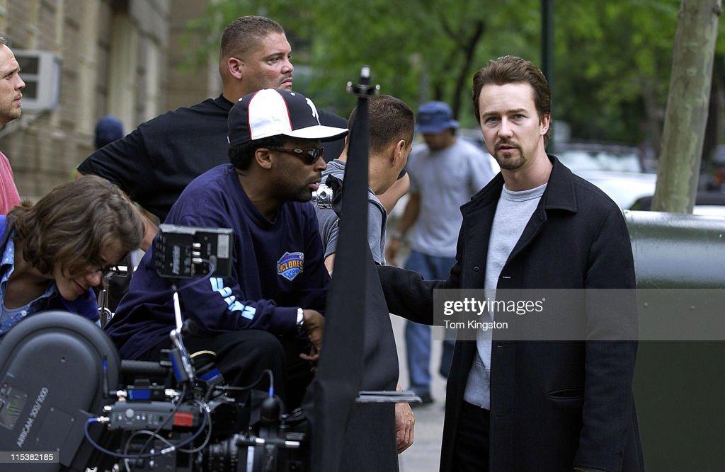 "On the Set of ""Twenty Fifth Hour"" - New York City : News Photo"