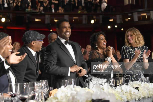 Spike Lee honoree Denzel Washington Pauletta Washington and Julia Roberts attend the 47th AFI Life Achievement Award honoring Denzel Washington at...