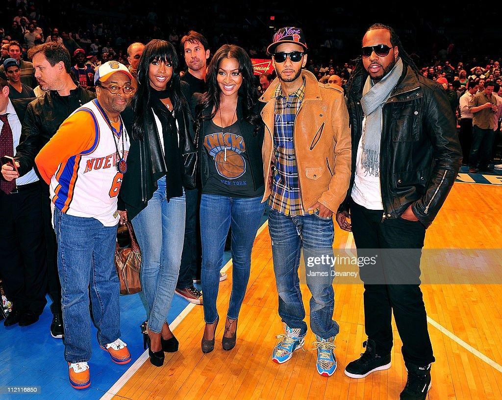 Celebrities Attend The Chicago Bulls Vs New York Knicks Game - April 12, 2011 : News Photo