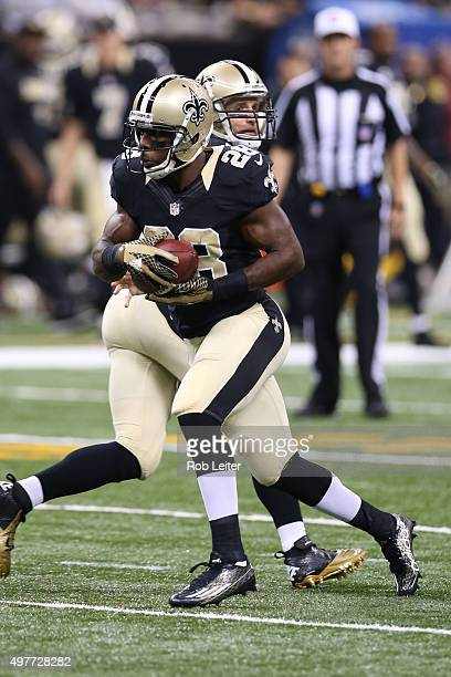 J Spiller of the New Orleans Saints runs the ball during the game against the New York Giants at the MercedesBenz Superdome on November 1 2015 in New...