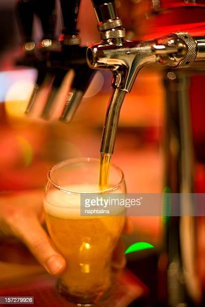 こぼすビール