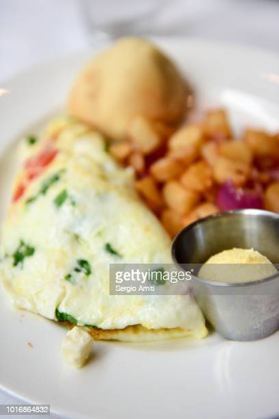 spinach, feta and tomato white omelette - egg white stock pictures, royalty-free photos & images