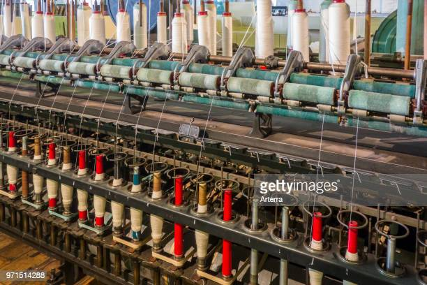 Spindles on ring spinning frame machine for spinning fibres to make yarn in cotton mill / spinningmill