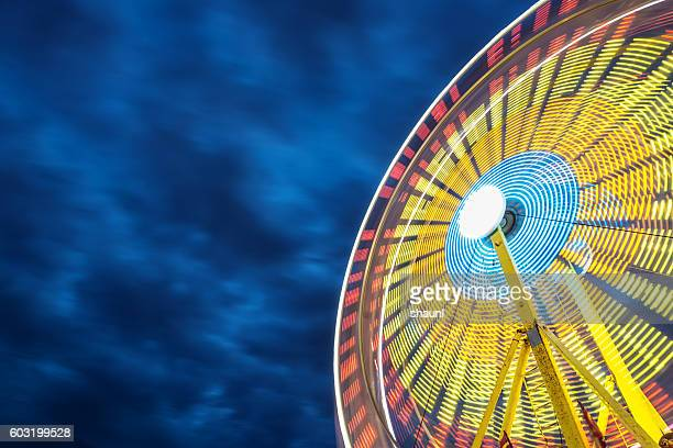 spinning ferris wheel - dallas stock pictures, royalty-free photos & images