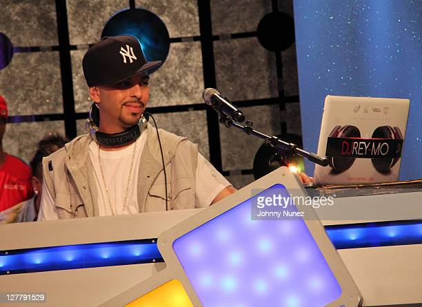 MO spins at BET's '106 Park' at BET Studios on June 3 2011 in New York City