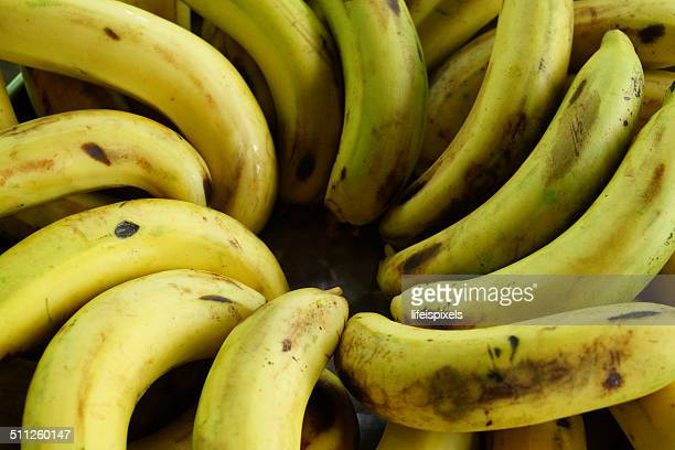 spiral of bananas - lifeispixels stock pictures, royalty-free photos & images