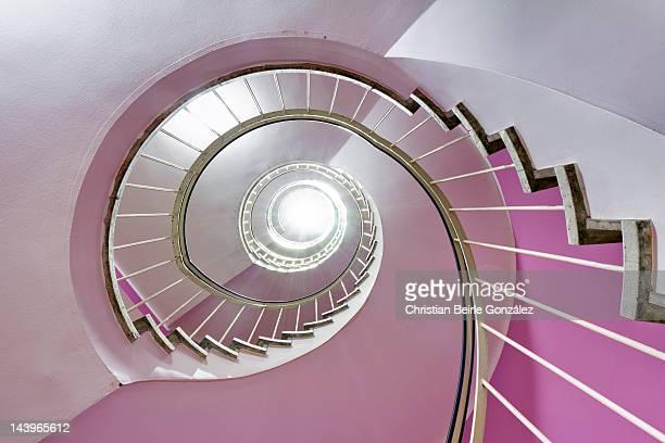 spiral staircase - christian beirle gonzález foto e immagini stock