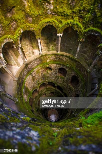 spiral tower in quinta da regaleira, sintra - quinta da regaleira photos stock pictures, royalty-free photos & images