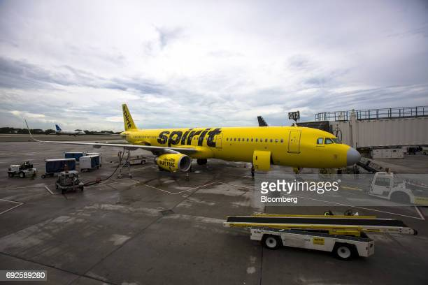 Spirit Airlines Pictures and Photos - Getty Images