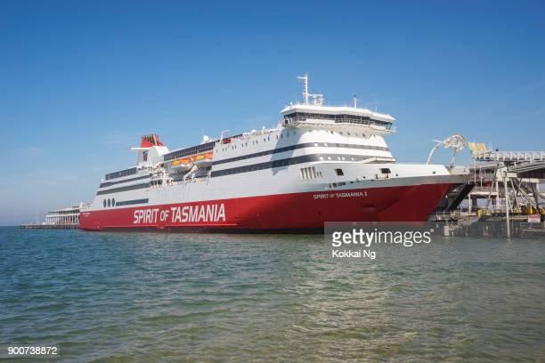spirit of tasmania - station pier - tasmania stock pictures, royalty-free photos & images