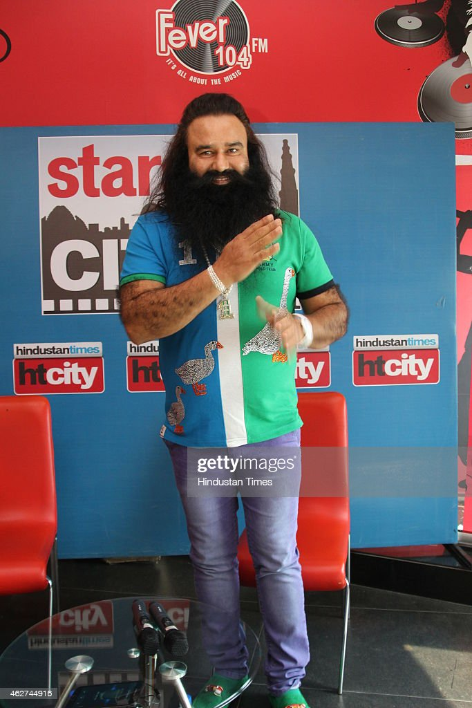 Dera Sachca Sauda Chief Gurmeet Ram Rahim Singh At HT House For Promotion Of His Film MSG: The Messenger of God : News Photo