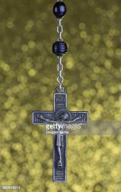 spiritual rosary praying beads - madonna del rosario foto e immagini stock