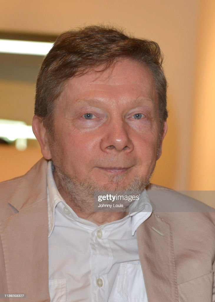 Spiritual Teacher Eckhart Tolle Poses Backstage After