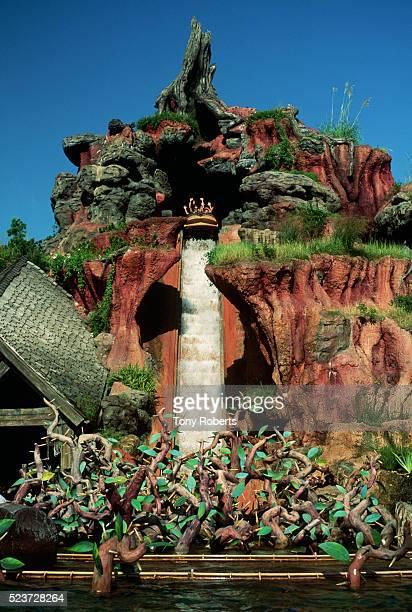 splash mountain at walt disney world - disney stock pictures, royalty-free photos & images
