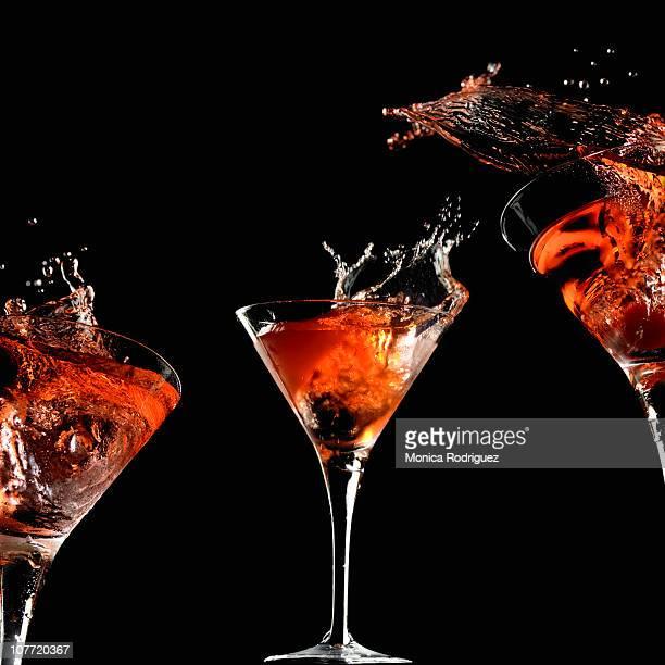 Cocktail fond noir photos et images de collection getty for Cocktail russe blanc