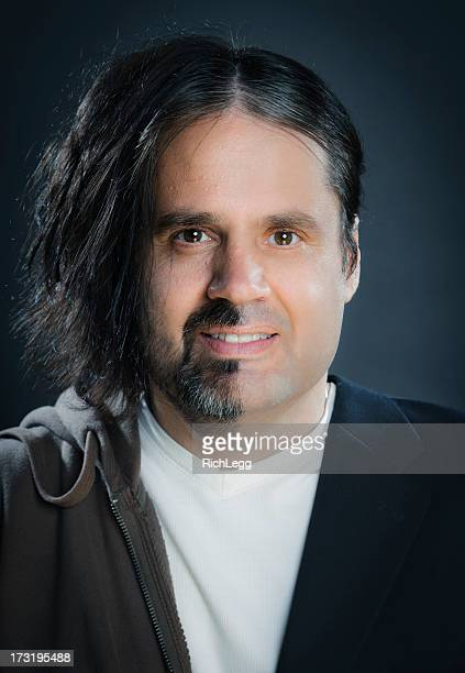 スプリット顔の男性
