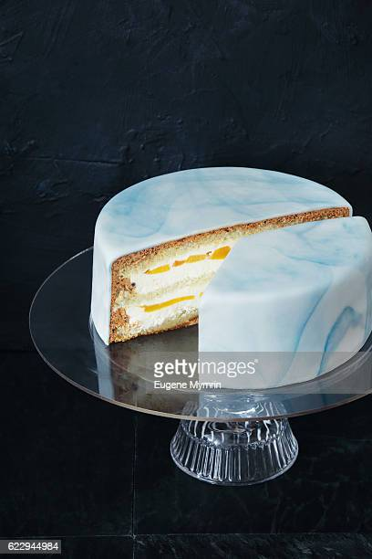 Sponge cake covered with rolled fondant