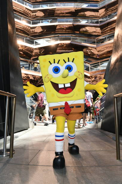NY: SpongeBob SquarePants Shellabrates His 20th Anniversary at Dylans Candy Bar