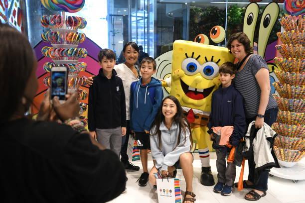 NY: SpongeBob SquarePants Shellabrates His 20th Anniversary at Dylans Candy Bar