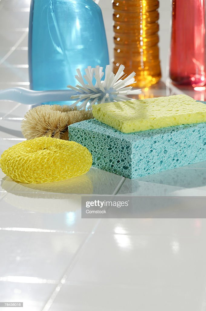 Sponges and cleaning supplies : Stockfoto