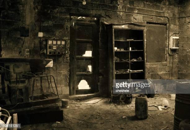 Spooky, abandonó y negro, Sepia habitación