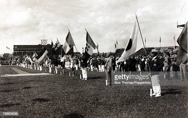 Sport, 1924 Olympic Games, Paris, The participating teams parading their flags at the Opening Ceremony